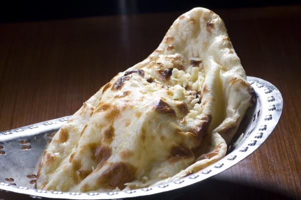 Cheese / Masala Naan